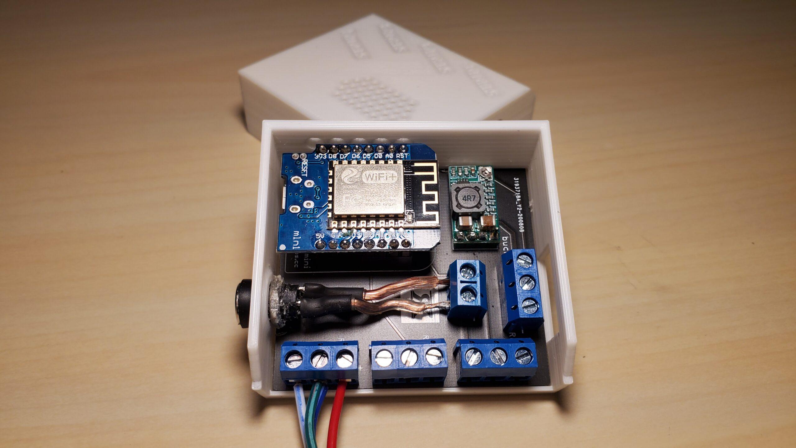 Jak si vyrábět chytrou domácnost tak, aby vypadala PROFI (Wi-Fi kontroler LED pásků)